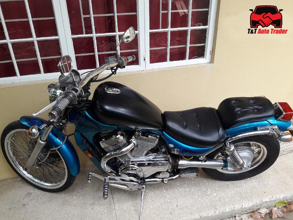 Suzuki Intruder VS 800 full